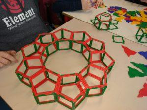 Solido formato da 10 prismi a base pentagonale.