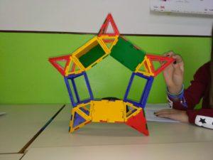 Poliedro con caratteristica di Eulero pari a 0, formato da 5 bipiramidi a base quadrata e 5 prismi a base triangolare.